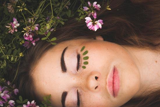 treatment-ayurvedic-facelift-massage-thumbnail-550x367